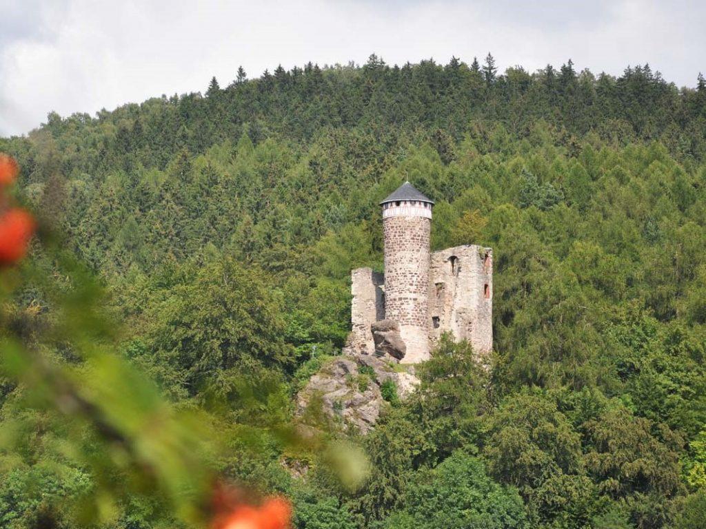 Hallenburg - Besteigen der Burg